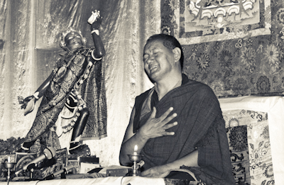 Lama Yeshe teaching at Tushita Retreat Centre, Dharamsala, India, 1983. Photo: Ueli Minder.