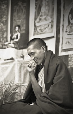 Lama Zopa Rinpoche teaching at Royal Holloway College, UK, 1975. Photo: Dennis Heslop.