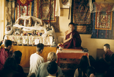 Lama Yeshe teaching at the Fourth Kopan Meditation Course, Nepal, 1973. Photo: Lynda Millspaugh.