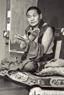 Lama Yeshe teaching at UC Santa Cruz, 1978. Photo: Jon Landaw.