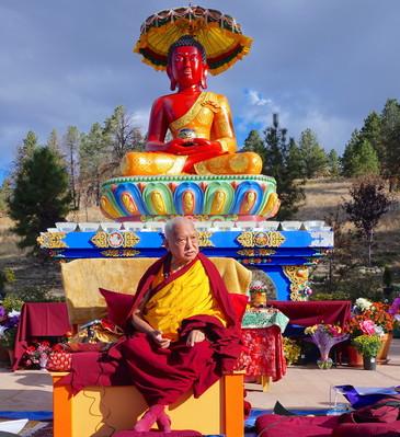 Lama Zopa Rinpoche teaching before the Amitabha festival at Buddha Amitabha Pure Land, USA, October 2016. Photo: Lobsang Sherab.