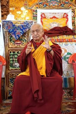 Rinpoche talks about a Chenrezig relic of Thangthong Gyalpo's incarnation at Kopan Monastery, Nepal, November 2016. Photo: Ven. Lobsang Sherab.