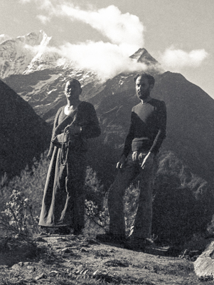 Lama Yeshe and Nick Ribush on the path to Namché Bazar, Nepal, May 1973. Photo: Lama Zopa Rinpoche.