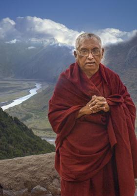 Rinpoche in Tibet 2002. Photo: Bob Cayton
