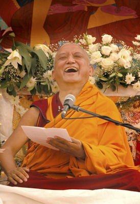 Lama Zopa Rinpoche in Italy. Photo: Piero Siriani.