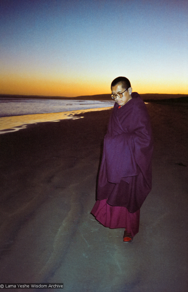 (10231_ng.psd) Lama Zopa Rinpoche at the beach, Adelaide, Australia, 1983. Photos taken and donated by Wendy Finster.