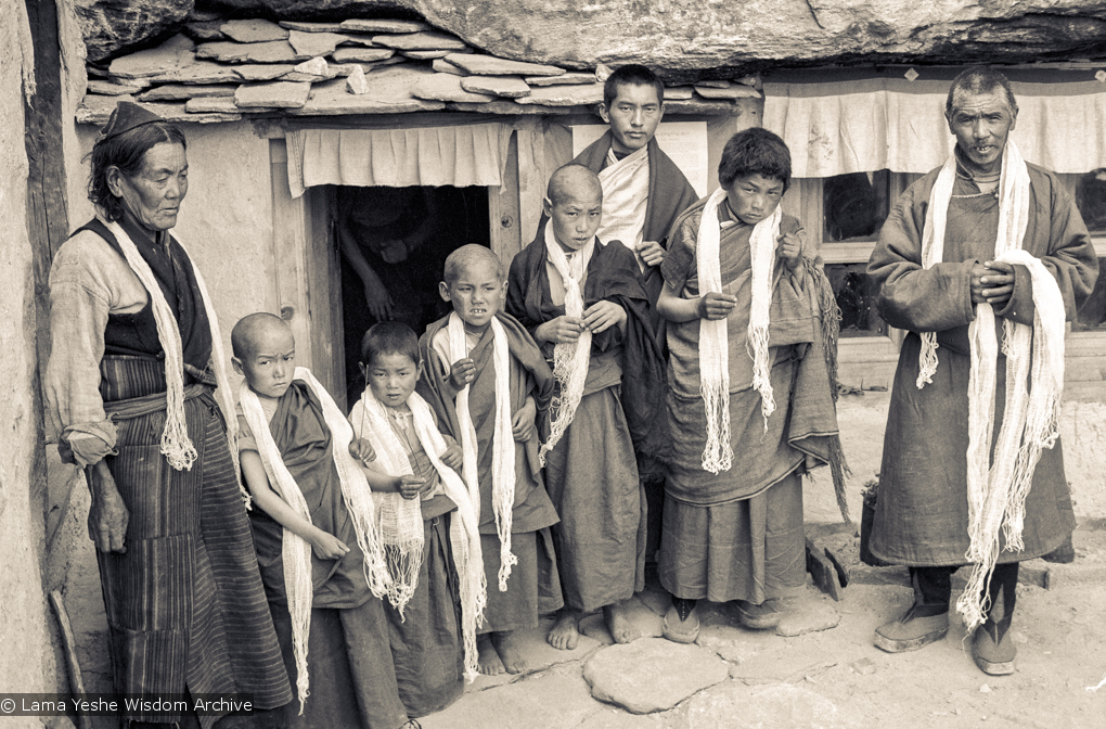 (15150_ng.psd) Lama Zopa Rinpoche posing with the first five novice monks admitted to the Mount Everest Center for Buddhist Studies (MEC), the school founded at Lawudo Retreat Centre, Nepal, 1972.