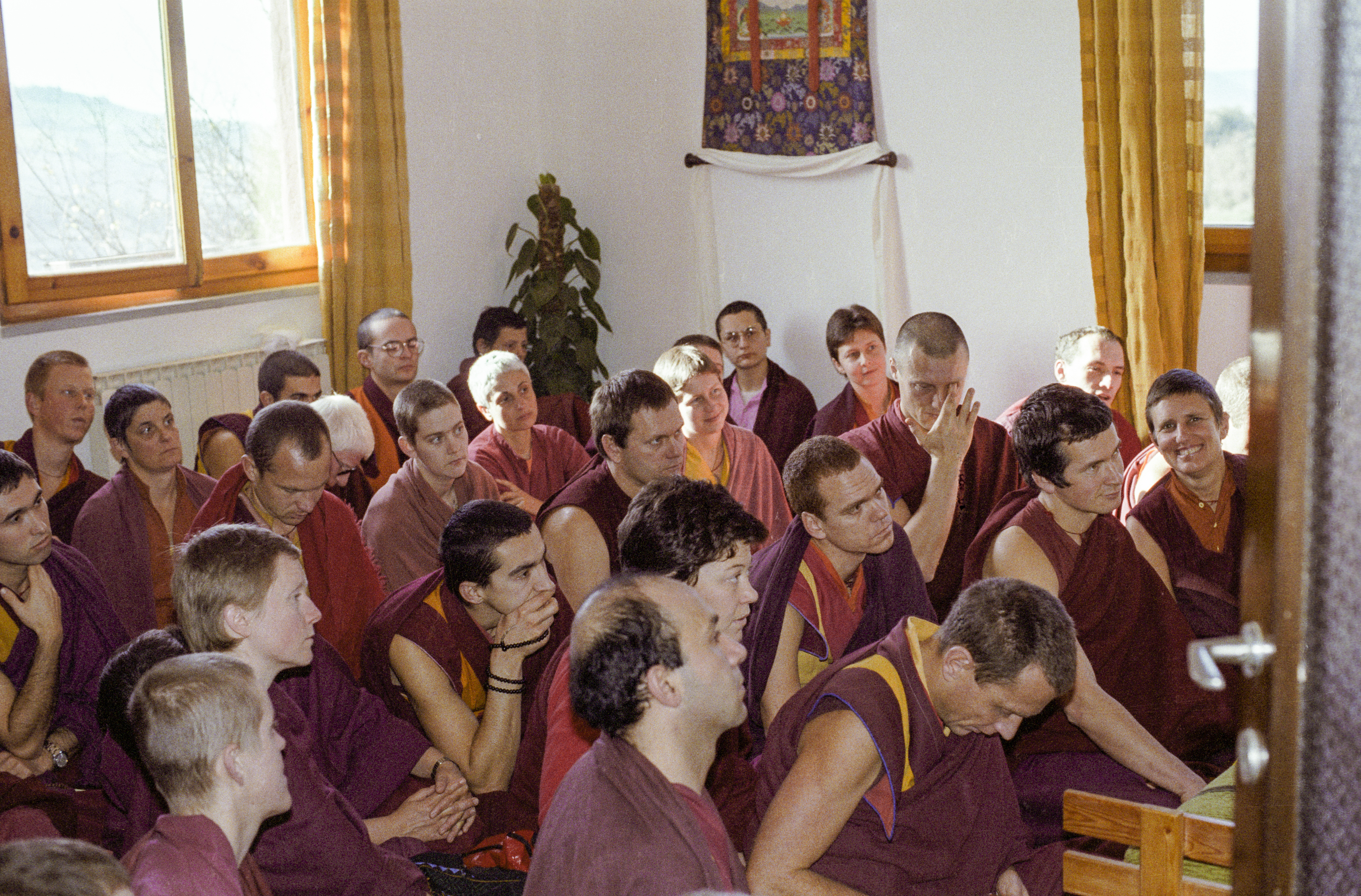 (15236_ng.tif) Lama Yeshe addressing western monks and nuns at Istituto Lama Tsongkhapa, Italy, 1983. Photos donated by Merry Colony.