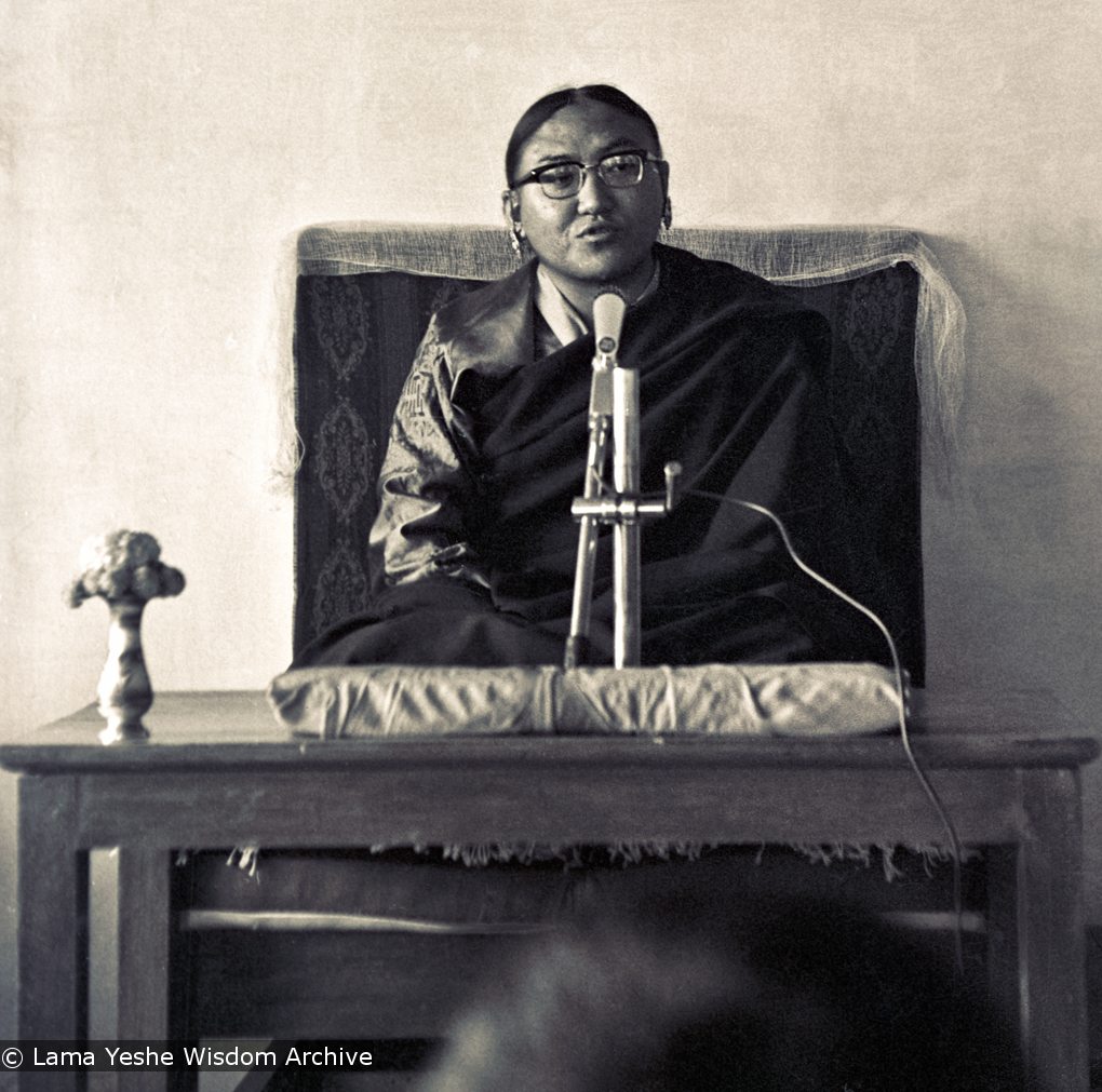 (15469_ng-3.psd) Sakya Trizen teaching at the Tibetan Library in Dharamsala, India, 1974. A number of students of Lama Yeshe also spent time studying at the Tibetan Library. Photo by Dan Laine.