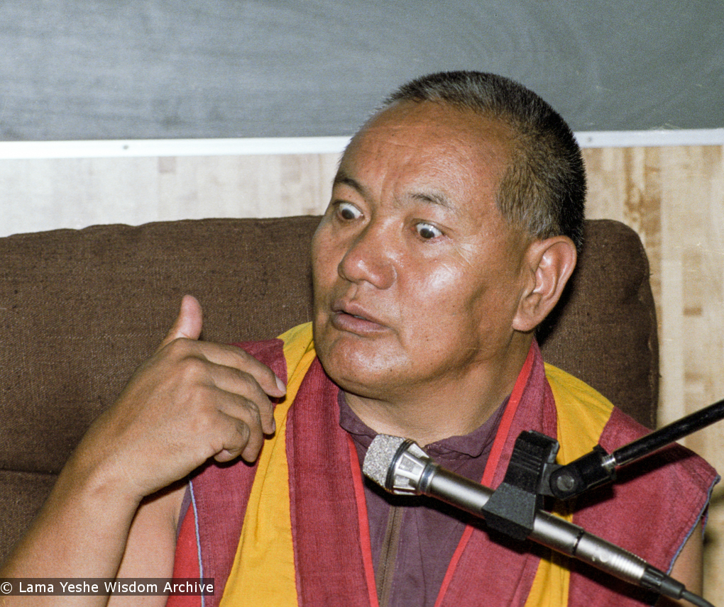 (17121_ng.TIF) Lama Yeshe was invited to Sweden for one week in September 1983. Here at Etnografiska Museet in Stockholm he gave a public teaching on Death, Intermediate State and Rebirth. Photos by Holger Hjorth.