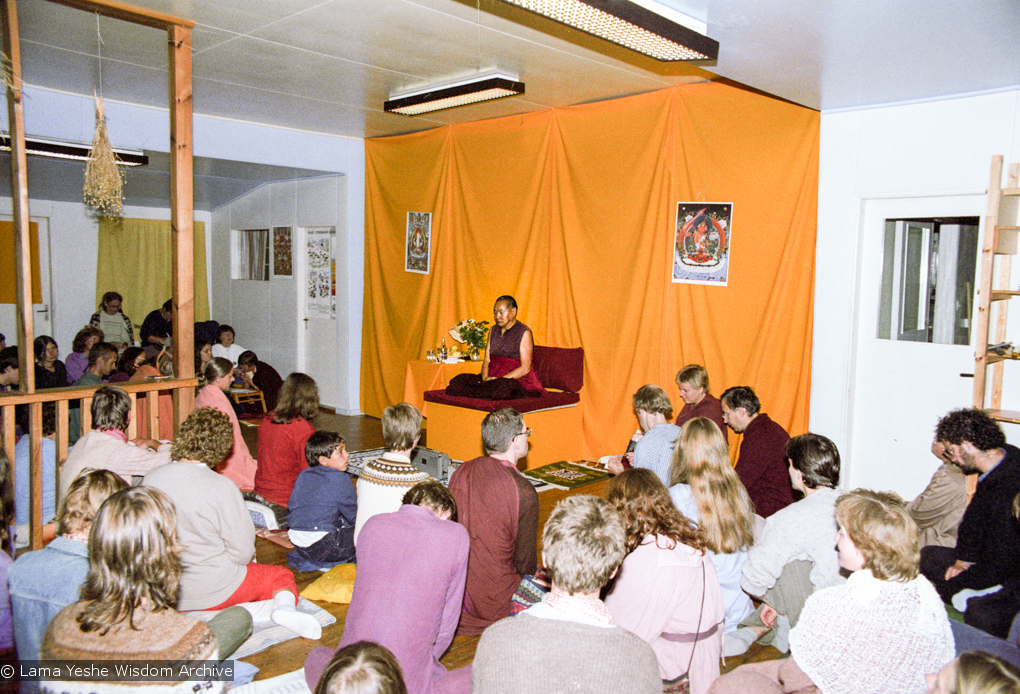 """(17138_ng.TIF) Over one weekend at Barnens O on Vaddo in September of 1983, Lama Yeshe gave a meditation course which later was published in English called """"Light of Dharma"""", translated into Swedish as """"Lamas ljus"""". Photos by Holger Hjorth. You can read a transcript here: http://www.lamayeshe.com/index.php?sect=article&id=719"""