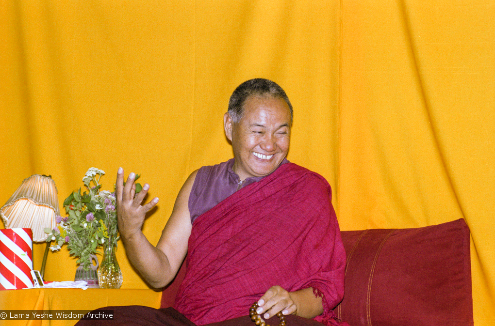 "(17152_ng.TIF) Over one weekend at Barnens O on Vaddo in September of 1983, Lama Yeshe gave a meditation course which later was published in English called ""Light of Dharma"", translated into Swedish as ""Lamas ljus"". Photos by Holger Hjorth. You can read a transcript here: http://www.lamayeshe.com/index.php?sect=article&id=719"
