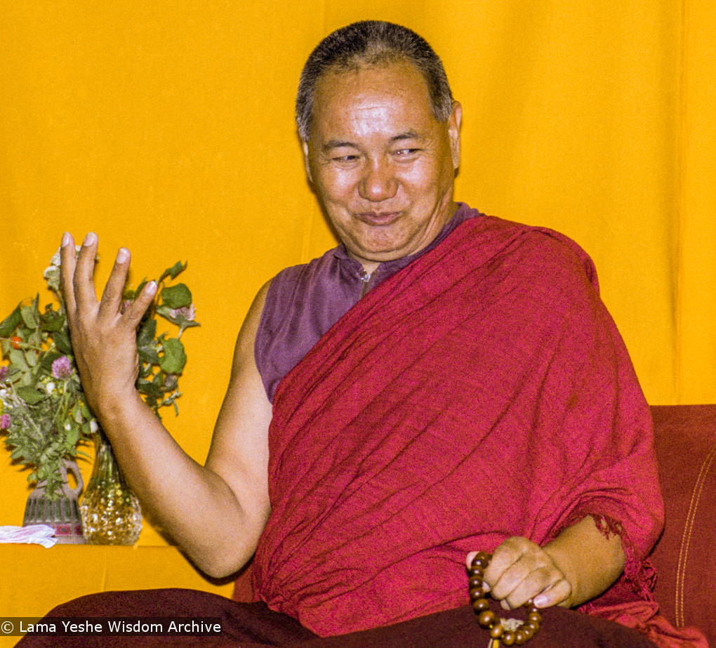 "(17153_ng.TIF) Over one weekend at Barnens O on Vaddo in September of 1983, Lama Yeshe gave a meditation course which later was published in English called ""Light of Dharma"", translated into Swedish as ""Lamas ljus"". Photos by Holger Hjorth. You can read a transcript here: http://www.lamayeshe.com/index.php?sect=article&id=719"