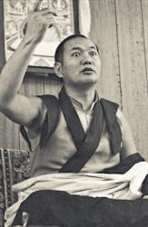 Lama Yeshe teaching at Lake Arrowhead, California, 1975. Photo: Carol Royce-Wilder.