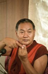Lama Yeshe teaching in Geneva, Switzerland, 1983. Photo: Ueli Minder.