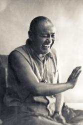 Lama Yeshe teaching in California in 1978 on the UC Santa Cruz campus.  Photo by Jon Landaw.