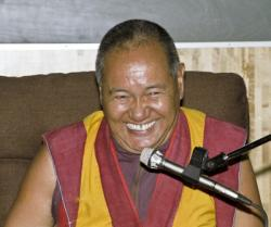 Lama Yeshe teaching at the Ethnographic Museum, Stockholm, Sweden, September 8, 1983. Photo: Holger Hjorth.