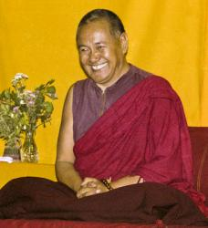 Lama Yeshe teaching in Vaddo, Sweden, 1983. Photo: Holger Hjorth.