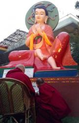 Lama Zopa Rinpoche reciting Nagarjuna prayers in front of the Nagarjuna statue at Root Institute, Bodhgaya, India, 2014. Photo: Ven. Sarah Thresher