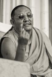Geshe Jampa Tegchok teaching at Manjushri Institute, England, 1979. Photo: Brian Beresford.