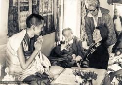 (01212_ud-3.psd) Lama Zopa Rinpoche and Bea Ribush during the Fourth Meditation Course, Kopan Monastery, Nepal, 1973. Bea Ribush is a devoted student of the lamas who became instrumental in establishing Dharma centers in Australia. Also seated in the photo is Lady Amabel Williams-Ellis.