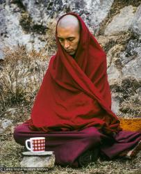 (04173_sl-3.psd) Lama Zopa Rinpoche, Mende, Nepal, 1978. Ueli Minder (photographer)