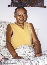 (Correct name/best version is 12961_pr-3, not 05849_ng) Lama Yeshe being cared for at his house in Aptos, California, 1984. Åge Delbanco (photographer)