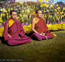 (07649_pr-3.psd) Lama Zopa Rinpoche and Lama Yeshe meditating in Delhi, India, 1975. Photo by Nick Ribush.