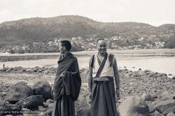 (07671_ng-3.psd) Lama Zopa Rinpoche and Lama Yeshe, Auckland, 1974.