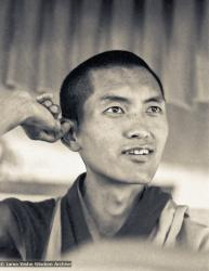 (07707_ng-2.psd) Lama Zopa Rinpoche teaching at the Sixth Meditation Course, Kopan Monastery, Nepal, 1974. Photo by Ursula Bernis.