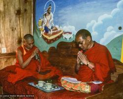 (09952_sl-3.JPG) Lama Yeshe and Lama Zopa Rinpoche blessing Wongmo's retreat, Tushita Retreat Centre, Dharamsala, India, 1983. Ricardo de Aratanha (photographer)