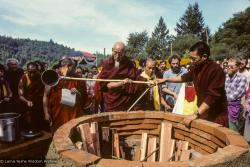 (10028_sl.JPG) Cremation of Lama Yeshe at Vajrapani Institute, California in March of 1984. Photo by Ricardo de Aratanha.