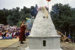 (10087_sl-3.JPG) Tenzin Wangchuk tending the fire, cremation of Lama Yeshe, Vajrapani Institute, California, 1984. Ricardo de Aratanha (photographer)