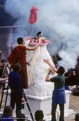 (10093_sl-3.JPG) Tenzin Wangchuk tending the fire, cremation of Lama Yeshe, Vajrapani Institute, California, 1984. Ricardo de Aratanha (photographer)