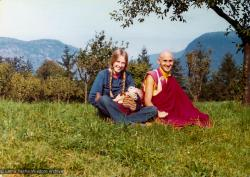 (13289_pr.tif) Alison Ribush (Nick's sister-in-law) with her baby Kalu, and Nick Ribush at a week-long course at Eupilio, near Como, Italy, 1975. Photo by Dorian Ribush.
