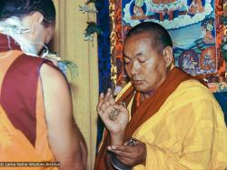 (13827_ud-3.jpg) Lama Yeshe beginning Guhyasamaja group retreat, Tushita Meditation Centre, Dharamsala, India, 1982. Dieter Kratzer (photographer)