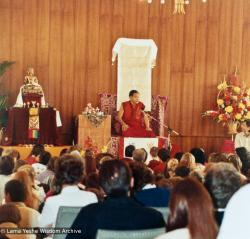 (15224_pr.psd) Lama Yeshe teaching in Geneva, Switzerland, 1983. Photos by Ueli Minder.
