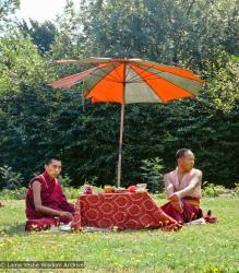 (15465_ng-3.psd) Lama Zopa Rinpoche and Lama Yeshe, Manjushri Institute, England, 1977. Dennis Heslop (photographer