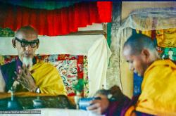 (15476_ng.psd) In April of 1974, H. H. Zong Rinpoche, a senior lama and teacher for Lama Yeshe, visited Kopan Monastery, Nepal, in time to give teachings during the last week of the Sixth Meditation Course. Photo includes Lama Yeshe on the right.