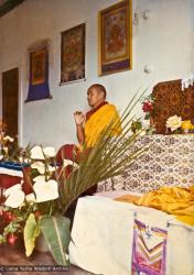 (15840_pr.psd) Lama Yeshe teaching at an early course in New Zealand,1974.