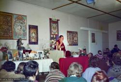 (16700_ng.tif) Lama Yeshe teaching at Olinda, Australia. On 29 July 1976 Lama Yeshe gave a public lecture in Melbourne. That same evening a weekend course for eighty commenced at Olinda in the Dandenong Ranges outside the city.