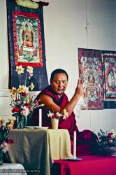 (16702_ng.psd) Lama Yeshe teaching at Olinda, Australia. On 29 July 1976 Lama Yeshe gave a public lecture in Melbourne. That same evening a weekend course for eighty commenced at Olinda in the Dandenong Ranges outside the city.