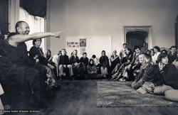 (18451_pr-3.psd) Lama Yeshe teaching summer course at Manjushri Institute, England, 1979. Brian Beresford (photographer)