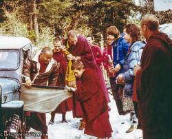 (18931_pr-3.psd) Lama Yeshe arrival at Tushita Retreat Centre, First Enlightened Experience Celebration, Dharamsala, India, 1982.