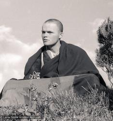 (21770_pr-6.psd) Harry Sutton, Kopan Monastery, Nepal, 1980. Merry Colony (donor)
