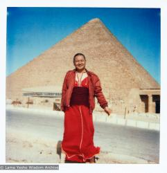 (21956_pr-3.tif) Lama Yeshe in Giza, an Egyptian city on the west bank of the Nile, near Cairo, 1983.