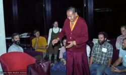 (23306_ng-3.tif) Lama Yeshe and Lama Zopa Rinpoche with students at the San Francisco International Airport