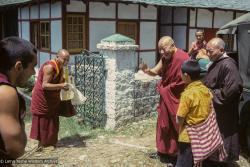 (24209_sl-3.tif) Lama welcomes Kyabje Ling Rinpoche to Tushita, First Enlightened Experience Celebration, Tushita Retreat Centre, Dharamsala, India, 1982. Dieter Kratzer (photographer)
