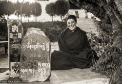 (25495_ng-3.psd) Elisabeth Drukier, Kopan Monastery, 1976.