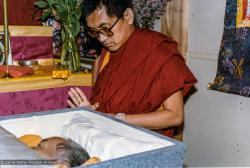 (33281_pr.jpg) Lama Zopa Rinpoche during a cycle of pujas that were done for Lama Yeshe before the formal cremation, Vajrapani Institute, California, 1984. Photo by Ricardo de Aratanha.